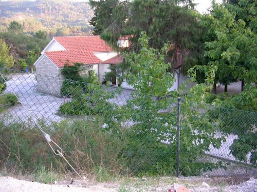 Escola primária e jardim de infância